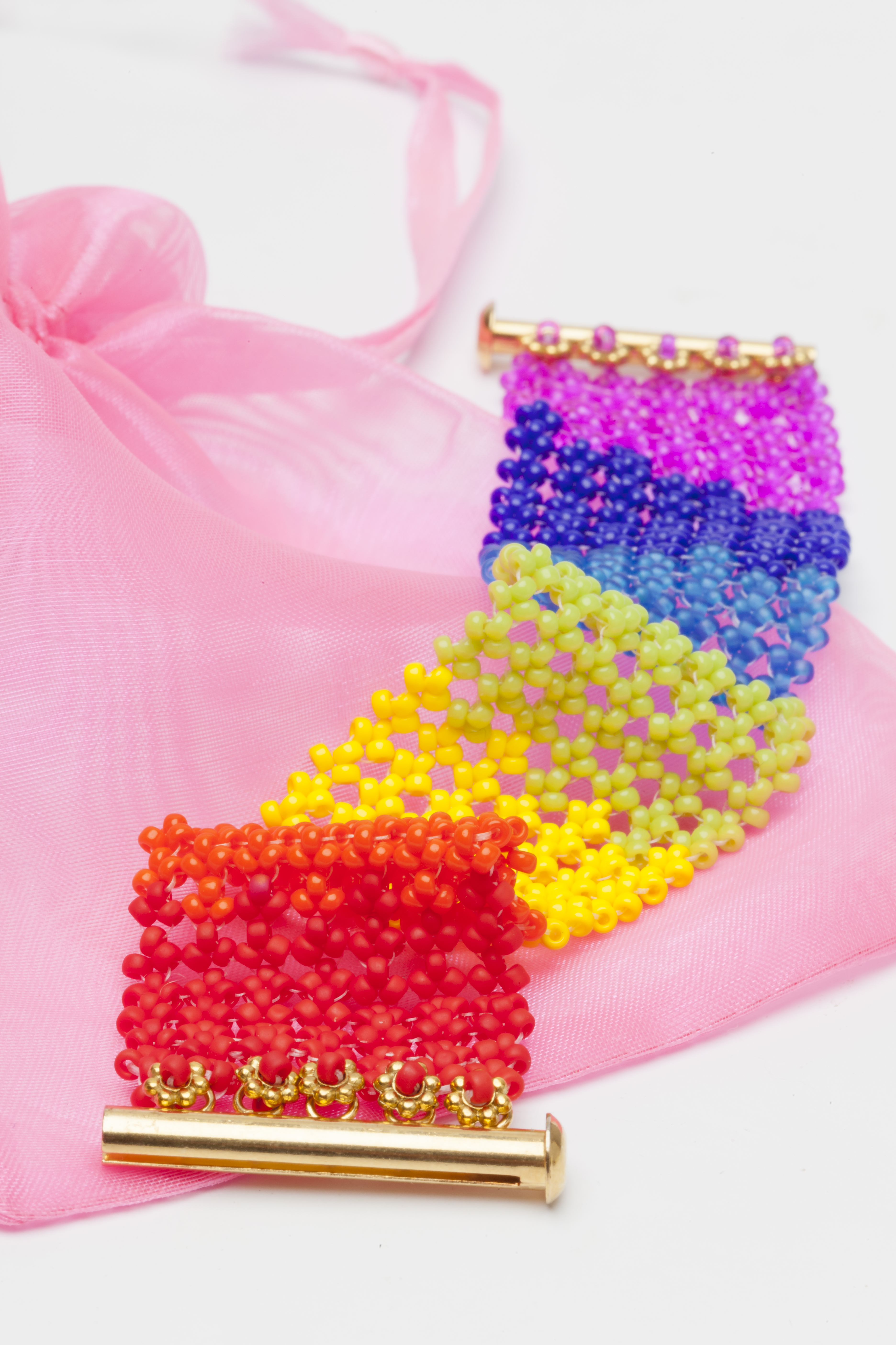 Spectrum cuff in Basic Hubble Stitch
